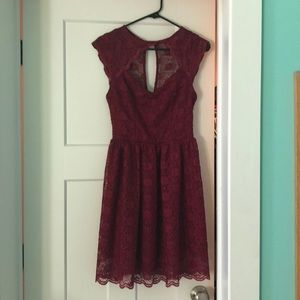red lacy cocktail dress